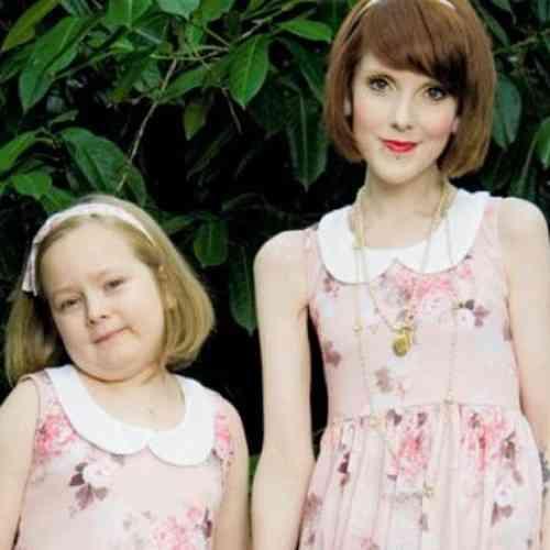 Una madre, orgullosa de pesar menos que su hija de siete años