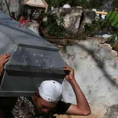 """Funeral en Egipto se convierte en fiesta al despertar """"el muerto"""""""