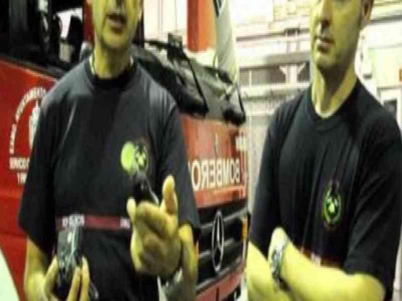 Los bomberos evitan la amputación de un pene atrapado en un tubo cilíndrico