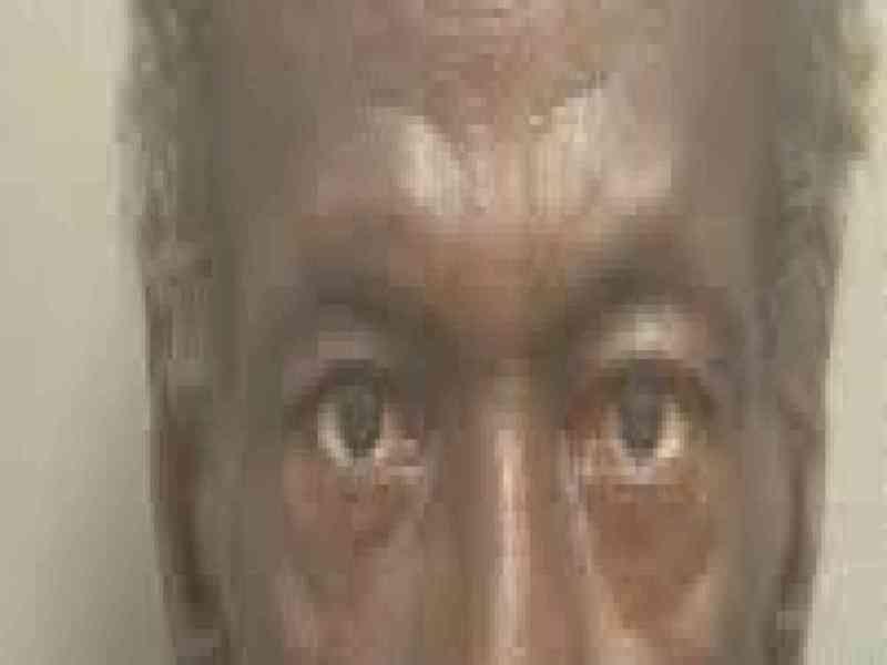 Un estadounidense intenta abrir una puerta con su pene y acaba en la cárcel