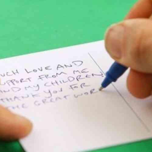 Recibe una carta de su esposa muerta hace dos años