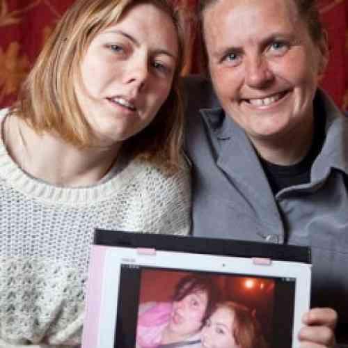 Una madre encuentra mediante Facebook a su hija 19 años después