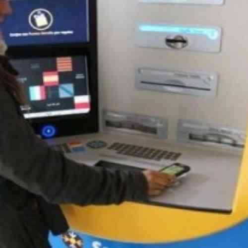Cientos de personas sacan dinero de los cajeros pensando que era gratis