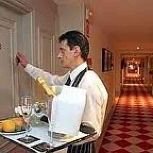 La actividad favorita de los españoles en los hoteles es hacer el amor
