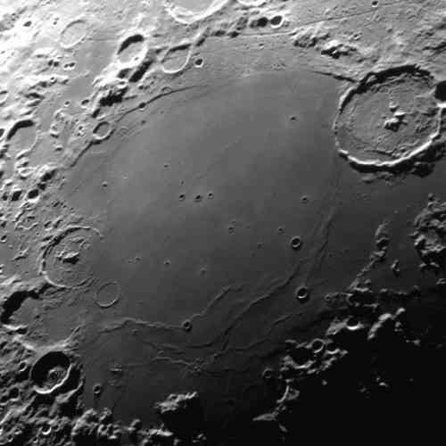 La Luna podría estar encogiéndose… muy lentamente