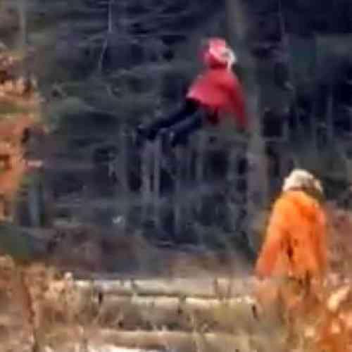 Niña voladora en Rusia