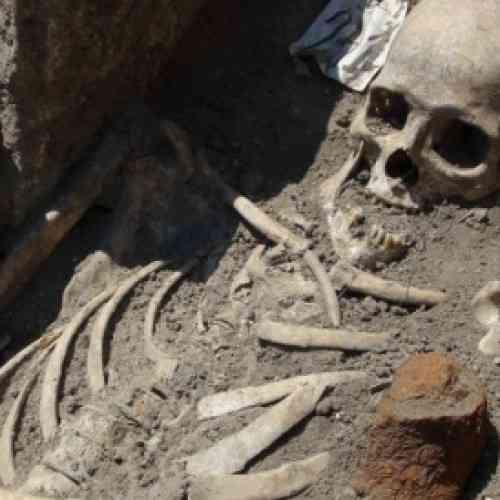 Hallazgo insólito en Bulgaria: tumbas de vampiros de la Edad Media con estacas clavadas en el corazón