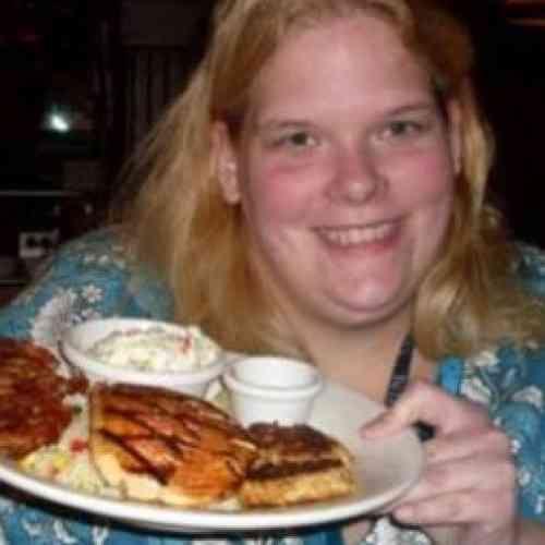 Mujer sufre un orgasmo cada vez que come