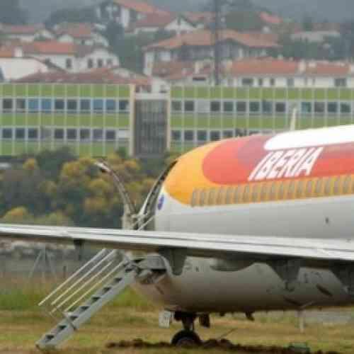 Desinfectan un avión de Iberia, tras picar un escorpión a una pasajera